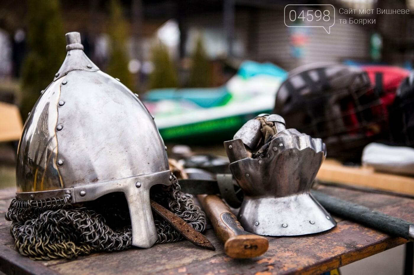 Лицарські бої та спалення опудала влаштували у київському парку: фото, фото-4