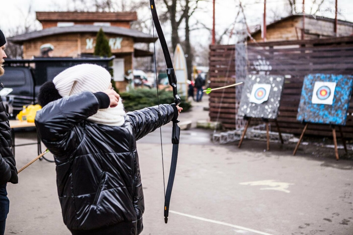 Лицарські бої та спалення опудала влаштували у київському парку: фото, фото-5
